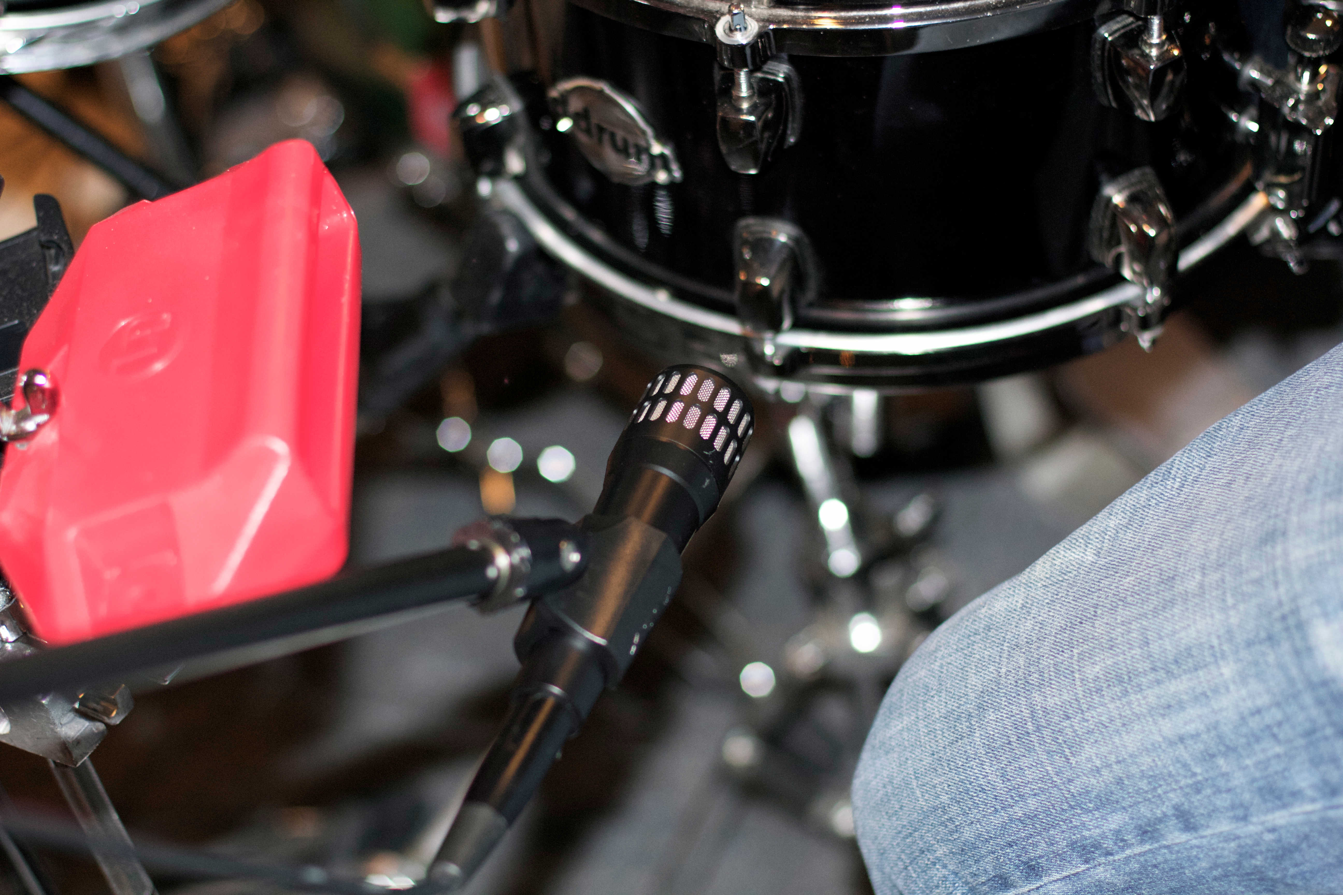 9 microphone techniques for recording a snare drum. Black Bedroom Furniture Sets. Home Design Ideas